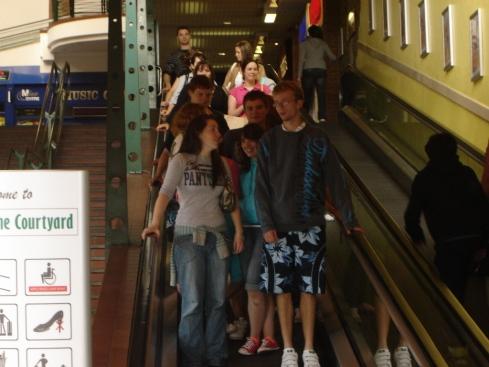 lk09_escalator